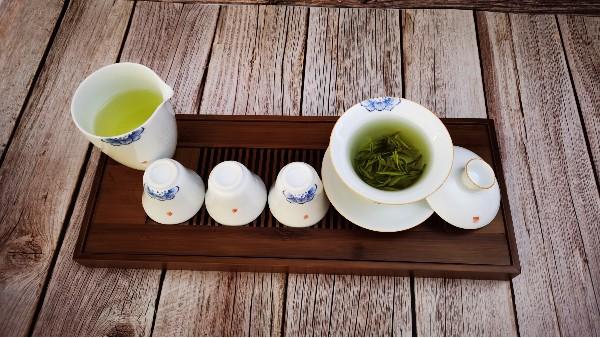 一天喝多少茶?什么时候喝茶合适?【鸦鹊山】