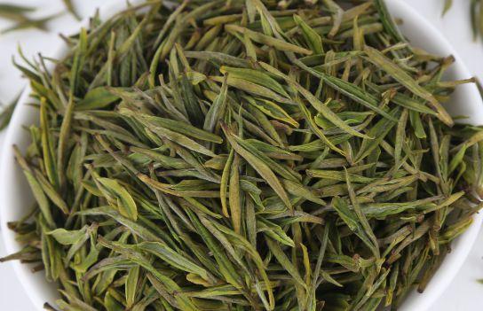 鸦鹊山云雾茶1