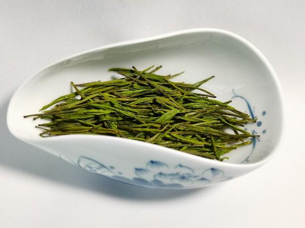 台湾高山茶春茶冬茶区别:春茶好在哪里?【鸦鹊山】